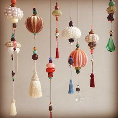 Mobiles by Frederikke Aagaard (but you could do this yourself like im gonna do) ps. Those shells are actually sea urchin skeletons! Mobiles by Frederikke Aagaard (but you could do this yourself like im gonna do) ps. Diy And Crafts, Arts And Crafts, Christmas Crafts, Christmas Decorations, Paper Decorations, Deco Luminaire, Seashell Crafts, Seashell Art, Beach Crafts