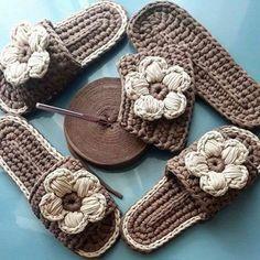 Original pattern Here: crochet Love Crochet, Beautiful Crochet, Diy Crochet, Crochet Crafts, Crochet Projects, Crochet Baby, Crochet Sandals, Knitted Slippers, Crochet Slippers