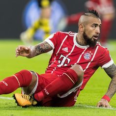 Antonio Conte has contacted Arturo Vidal, according to sources in Chile, with the Chelsea manager also publicly talking up the Bayern Munich midfielder when asked about his former player. Chelsea Transfer News, Antonio Conte, Blog, Fashion, America's Cup, Fc Bayern Munich, Fashion Styles, Fashion Illustrations, Moda