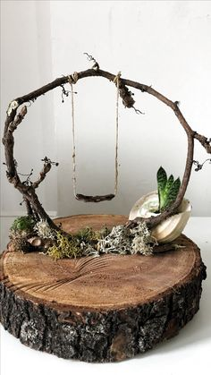 Ivy on wood. ivy on wood. decoration - Ivy on wood. disc decoration Ivy on wood. decoration Check more at garden. Garden Crafts, Garden Art, Garden Ideas, Diy Fairy Garden, Fairies Garden, Deco Nature, Fairy Furniture, Furniture Plans, Fairy Garden Houses