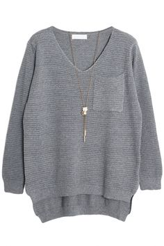 The sweater featuring high-low design. Warm Sweaters, Sweaters For Women, Weather Wear, How To Purl Knit, Fashion Outfits, Womens Fashion, Winter Outfits, High Low, Cute Outfits
