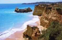 The stunning sea at Praia de Rocha, Portugal