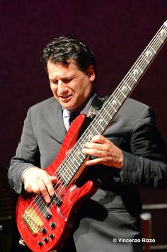 John Patitucci Jazz Guitar, Cool Guitar, Acoustic Guitar, Famous Musicians, Jazz Musicians, John Patitucci, Bernard Edwards, Miles Davis, Bass Guitars