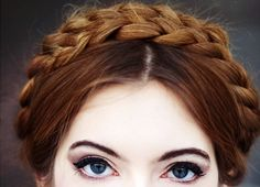 braids and eye liner