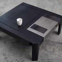 Disquete table
