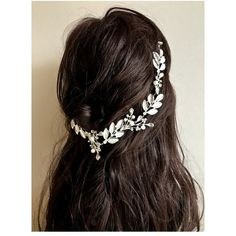 SLIVER DIAMOND LEAF PEARL ACCENT DESIGN HAIR PIN CHIP WEDDING... (48 BRL) ❤ liked on Polyvore featuring accessories, hair accessories, hair, bobby hair pins, diamond headband, hair band accessories, pearl headband and embellished headbands