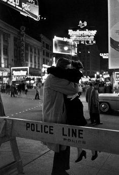Канун Нового 1959 года на Таймс-сквер. Манхэттен, Нью-Йорк.