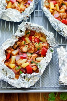 BBQ Chicken Foil Packs: 15 Easy Foil Packet Meals Perfect for Campfire Cooking via Brit + Co Easy Campfire Meals, Best Camping Meals, Campfire Food, Easy Meals, Campfire Recipes, Camping Ideas, Camping Cooking, Outdoor Camping, Camping Dishes