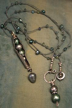 DERYN MENTOCK PRAIRIE PEARL POD PENDANT Page down on the blog page to see...(432×648)