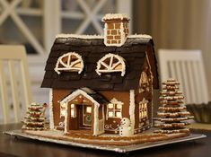 Find images and videos about sweet, christmas and gingerbread on We Heart It - the app to get lost in what you love. Cosy Christmas, Christmas Time, Merry Christmas, Christmas Ideas, Ginger House, House Cake, Christmas Decorations, Holiday Decor, Smoothie Recipes