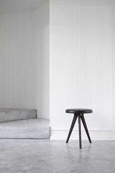 Menu Ideas Flip Around Hocker/Beistelltisch Minimalist Architecture, Minimalist Interior, Minimalist Living, Minimalist Design, Minimalist Lifestyle, Minimalist Decor, Interior Design Boards, Interior Design Inspiration, Furniture Design