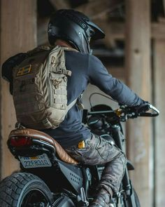 Likes, 31 Comments - Cafe Racers Ducati Scrambler, Cafe Racer Motorcycle, Moto Bike, Motorcycle Style, Bike Style, Motorcycle Outfit, Motorcycle Camping, Retro Bikes, Cafe Racer Bikes