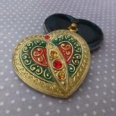 Big Czech Handmade Glass Button Heart Vintage Style, craft supplies, beads, buttons at www.kookeli.com