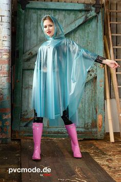 Vinyl Raincoat, Pvc Raincoat, Plastic Raincoat, Plastic Pants, Plastic Mac, Capes, Rain Fashion, Women's Fashion, Wellies Rain Boots