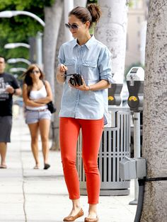 Really, I think she can only pull off that top because of who she is. Blech. But I love the pants!