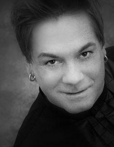 Mehr über Ralph-Joachim Hoffmann auf  www.menschenimsalon.de präsentiert von www.my-hair-and-me.de #men #famous #hairdresser #short #hair #black #and #white #schwarz #weiß #ralph #hoffmann