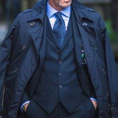 TOP 10 Best-Dressed men suits of the week. Best business fashion suits you should buy. Mens Fashion Blog, Mens Fashion Suits, Daily Fashion, Mens Suits, Classy Work Outfits, Classy Clothes, Casual Elegance, Timeless Elegance, Gentleman Style