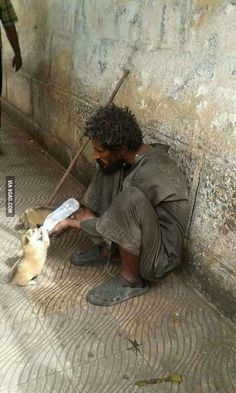 Faith in humanity restored! Fotografia Social, Faith In Humanity Restored, Tier Fotos, People Of The World, Photojournalism, Belle Photo, Good People, Restoration, Cute Animals