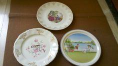 Antichi piatti in ceramica da esposizione