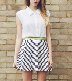 Stripy skirt / http://girlinthelens.com/