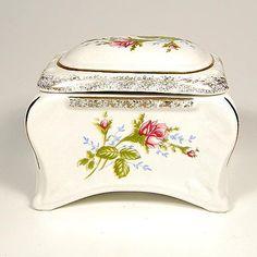 Vintage Porcelain Sugar Bowl.