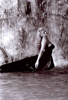 ✖ Anita Ekberg in La Dolce Vita (1960, dir. Federico Fellini) - someone once told me I looked like her - best compliment