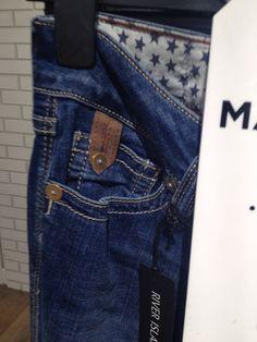 . Denim Style, Vintage Denim, Denim Fashion, Denim Jeans, Indigo, Art Ideas, Detail, Pants, Closet