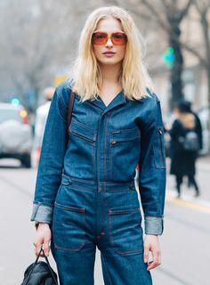 Pendant la Fashion Week, les mannequins défilent autant sur les catwalks que dans les rues. Retour sur les leçons de mode données par les tops en vogue croisés à New York, Londres, Milan et Paris.