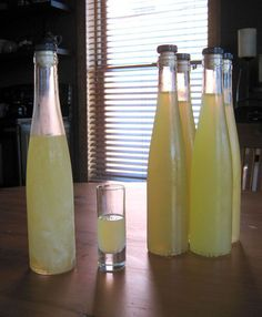 Limoncello - Just might be a staple this summer. I love Limoncello! Cocktail Drinks, Fun Drinks, Yummy Drinks, Alcoholic Drinks, Beverages, Champagne Cocktail, Refreshing Cocktails, Lemon Curd Dessert, Lemon Desserts