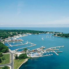 Top draws on the Lake Erie Shore- Intriguing islands, amusment park thrills and wildlife viewing.