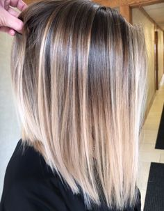 Pin by melanie pena on hair in 2019 hair styles, balayage hair, hair color. Straight Hair Highlights, Balayage Straight Hair, Hair Color Highlights, Ombre Hair Color, Hair Color Balayage, Ombre On Short Hair, Hair Colors, Balayage Bob Blonde, Balayage Long Bob