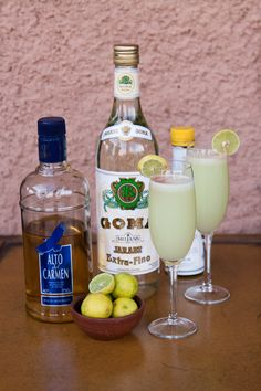 How to make a classic Pisco Sour. Pisco is a white brandy made from muscat grapes. Add fresh lime juice, simple syrup, egg whites (optional but makes for a nice frothy topping), dash of angostura bitters. Party Drinks, Cocktail Drinks, Fun Drinks, Yummy Drinks, Cocktail Recipes, Alcoholic Drinks, Cocktails, Whats Gaby Cooking, Sour Foods