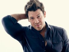 http://www.starpulse.com/news/index.php/2015/11/07/the-librarians-star-christian-kane-wel?ref_src=news_rss  Starpulse 11-7-2015 share about Christian Kane #JakeStone filled episode coming up 11-8-2015 8/7 PM CT on TNT