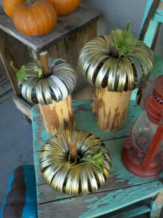 Pumpkins made from canning rings! Super easy and creative craft! Looks so easy and so cute. Holidays Halloween, Halloween Crafts, Holiday Crafts, Halloween Decorations, Halloween Ideas, Creepy Halloween, Holiday Fun, Happy Halloween, Holiday Ideas