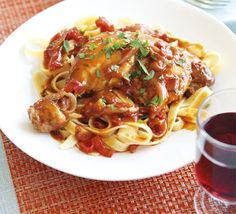 Chicken arrabbiata simple yet delicious Chicken arrabiata recipe is an Italian classic; a fresh and full-flavoured dish that's perfect for the summer . Arrabbiata Recipes, Bbc Good Food Recipes, Cooking Recipes, Healthy Recipes, Lunch Recipes, Easy Recipes, Dinner Recipes, Yummy Food, Pasta Recipes