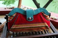 #Clutch #TenunBuna #NTT #Indonesia #woman #fashion #bag   More info : Email : retishop@gmail.com FB : retishop Ig : @retishop