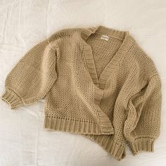 Bodi Cardigan - Neutral – beiged Jumpers, Hygge, Neutral, Pullover, Wool, Knitting, Stylish, Sweaters, Outfits