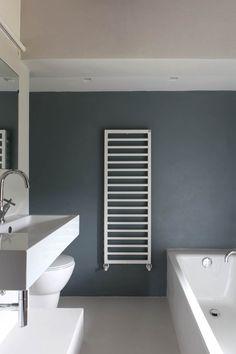 Casa a Campiroli - Officine Liquide - Casa Milano, Bathroom Interior Design, Bathroom Wall, Color Themes, Bathing, Sweet Home, New Homes, Design Inspiration, House Design
