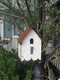 Older style bird house ~ so pretty in its simplicity :)
