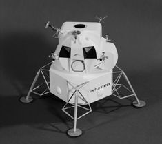 I based the Lego Lunar Module on this picture. Spaceship Images, Spaceship Art, Moon Missions, Apollo Missions, Engine Working, Nasa Engineer, Lunar Lander, Apollo Space Program, Vintage Space