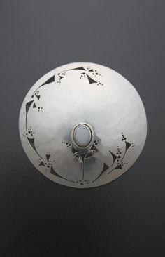 Lace Cut Pin-Brooch