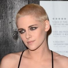 """Kristen Stewart Is Ready For Action With A Blonde Buzzcut At """"Personal Shopper"""" Premiere - http://oceanup.com/2017/03/08/kristen-stewart-is-ready-for-action-with-a-blonde-buzzcut-at-personal-shopper-premiere/"""