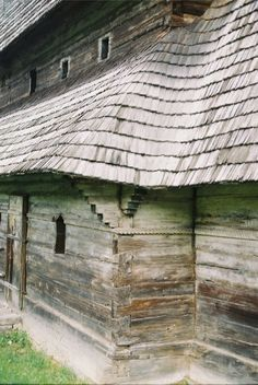 Travels in Maramures: Wood carvings and general scenes in Maramures Ukraine, Rural House, Rope Twist, Vernacular Architecture, Wooden House, Wood Carvings, Case, To Go, Exterior
