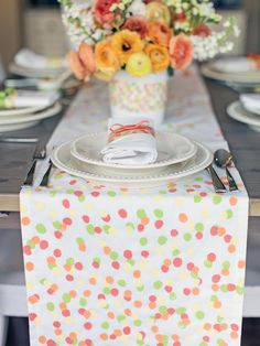 Finger Print Table Runner for Mother's Day. MORE Ideas >> http://www.hgtv.com/holidays-and-entertaining/celebrate-mom-with-a-simple-mothers-day-lunch/pictures/page-6.html?soc=pinterest