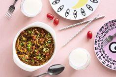 Saarioisen laatikkouutuudet: Italian tomaatti-spagetti ja Thai-currykaali