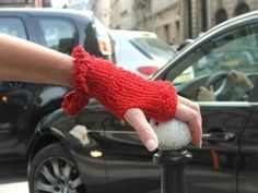 Oh yes, love the fingerless gloves - stylish and practical!