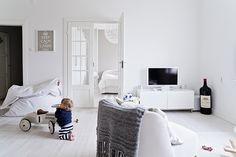 MRS JONES: HANNAN KOTI KOTILIEDESSÄ - all white amazing home