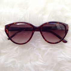 ✨NEW✨ Betsey Johnson tortiseshell sunglasses Discounted Bundles ▪️Please use the offer feature  ▪️Ships within 24 hours ✈️ ▪️No tradesNo Paypal ▪️ Love the item but not the price?  Make an offer!  ▪️Questions?  Don't be shy!  Feel free to ask  ▪️Condition - Very good ▪️Size - one size ▪️Description - Beautiful sunnies!  A few small scratches on the lenses.  Price has been discounted as a result.I do not model eyewear Betsey Johnson Accessories Sunglasses