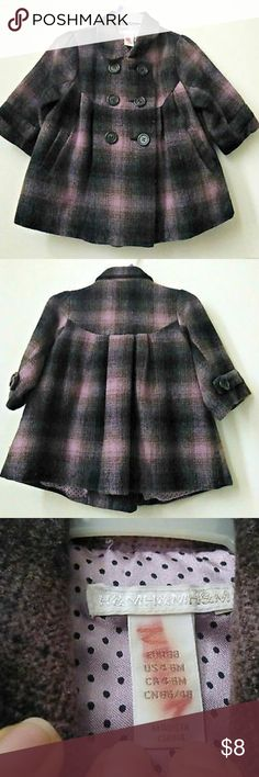 """H&M Toddler Girl Size 4-6 M Coat H&M Toddler Girl Size 4-6 M Wool Lightweight Jacket/Coat Outwear Trench  Material: 40% wool, 40% polyester 20% viscose  For your consideration is very cute toddler girl jacket/coat.  Very good used condition : clean, no stains or other kind of damage. The only """"flaw"""" I can find is marking on the tag.  Length : 16.5'' From armpit to armpit : 12.5'' Sleeve : 9.5'' H&M Jackets & Coats"""