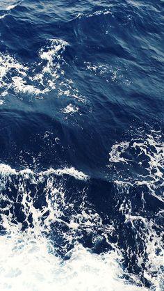 Foamy Blue Ocean Waves #iPhone #5s #wallpaper